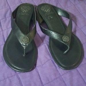 Vince Camuto leather upper flip flops